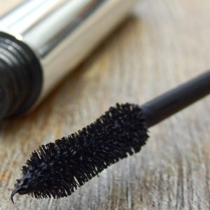 Non-Toxic Waterproof Mascara To Give Your Eyes A Healthy Beautiful Look