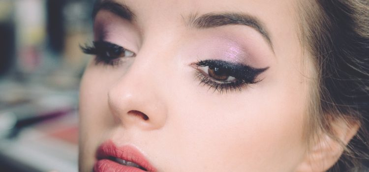 Chemical-free Eyeliner To Perfect Your Makeup