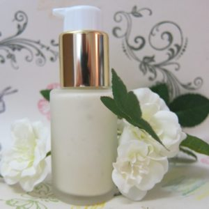 Silicone-Free Face Moisturizer - A Healthy Hydrating Skincare Product