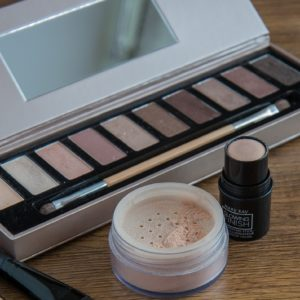 Eyeshadow Without Talc - Do Your Eye Makeup In A Healthy Way
